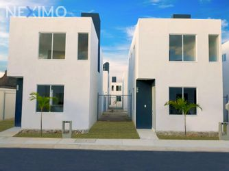 NEX-39790 - Casa en Venta, con 2 recamaras, con 1 baño, con 1 medio baño, con 82 m2 de construcción en Tixkokob, CP 97470, Yucatán.