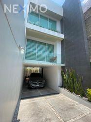 NEX-48049 - Casa en Venta, con 3 recamaras, con 2 baños, con 2 medio baños, con 125 m2 de construcción en Paseos de Churubusco, CP 09030, Ciudad de México.