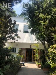 NEX-44792 - Casa en Venta, con 4 recamaras, con 6 baños, con 1 medio baño, con 371 m2 de construcción en Jardines del Pedregal, CP 01900, Ciudad de México.