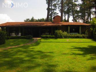 NEX-50034 - Casa en Renta, con 4 recamaras, con 3 baños, con 300 m2 de construcción en Avándaro, CP 51200, México.