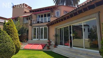 NEX-40883 - Casa en Venta en Lomas Altas, CP 11950, Ciudad de México, con 4 recamaras, con 4 baños, con 2 medio baños, con 700 m2 de construcción.