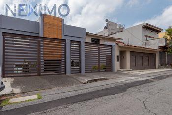 NEX-40248 - Casa en Venta, con 3 recamaras, con 2 baños, con 1 medio baño, con 320 m2 de construcción en Paseo de las Lomas, CP 01330, Ciudad de México.