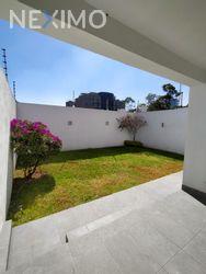 NEX-40249 - Casa en Renta, con 3 recamaras, con 2 baños, con 1 medio baño, con 320 m2 de construcción en Paseo de las Lomas, CP 01330, Ciudad de México.