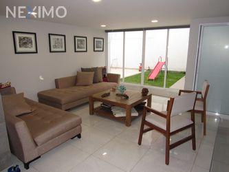 NEX-44795 - Casa en Venta, con 3 recamaras, con 3 baños, con 1 medio baño, con 283 m2 de construcción en Club de Golf México, CP 14620, Ciudad de México.