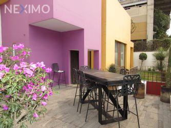 NEX-45355 - Casa en Venta, con 3 recamaras, con 3 baños, con 1 medio baño, con 350 m2 de construcción en Bosques de las Lomas, CP 05120, Ciudad de México.