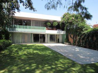 NEX-54492 - Casa en Venta, con 4 recamaras, con 4 baños, con 1 medio baño, con 650 m2 de construcción en La Herradura, CP 52784, México.