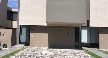 NEX-26744 - Casa en Venta en Residencial el Refugio, CP 76146, Querétaro, con 3 recamaras, con 3 baños, con 1 medio baño, con 166 m2 de construcción.