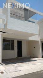 NEX-27298 - Casa en Venta, con 3 recamaras, con 2 baños, con 1 medio baño, con 130 m2 de construcción en Terranova, CP 76910, Querétaro.
