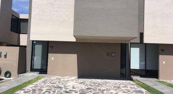 NEX-29574 - Casa en Renta en Residencial el Refugio, CP 76146, Querétaro, con 3 recamaras, con 3 baños, con 1 medio baño, con 166 m2 de construcción.