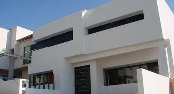 NEX-30738 - Casa en Renta en Privada Arboledas, CP 76140, Querétaro, con 4 recamaras, con 5 baños, con 450 m2 de construcción.