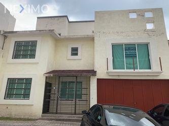 NEX-49870 - Casa en Venta, con 3 recamaras, con 3 baños, con 1 medio baño, con 235 m2 de construcción en Milenio 3a. Sección, CP 76060, Querétaro.