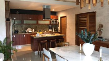 NEX-40810 - Departamento en Venta en Arbolada, CP 77533, Quintana Roo, con 3 recamaras, con 2 baños, con 1 medio baño, con 165 m2 de construcción.
