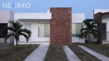 NEX-55766 - Casa en Renta, con 3 recamaras, con 2 baños, con 160 m2 de construcción en Gran Santa Fe, CP 97314, Yucatán.