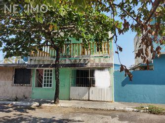NEX-45662 - Casa en Venta, con 3 recamaras, con 2 baños, con 160 m2 de construcción en Las Brisas, CP 91809, Veracruz de Ignacio de la Llave.