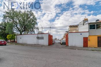 NEX-46331 - Casa en Venta, con 3 recamaras, con 1 baño, con 1 medio baño, con 115 m2 de construcción en Bellavista, CP 54710, México.