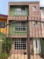 NEX-40932 - Casa en Venta en El Mirador 1A Sección, CP 14449, Ciudad de México, con 3 recamaras, con 3 baños, con 1 medio baño, con 260 m2 de construcción.