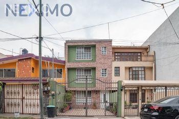 NEX-40932 - Casa en Venta, con 3 recamaras, con 3 baños, con 1 medio baño, con 260 m2 de construcción en El Mirador 1A Sección, CP 14449, Ciudad de México.
