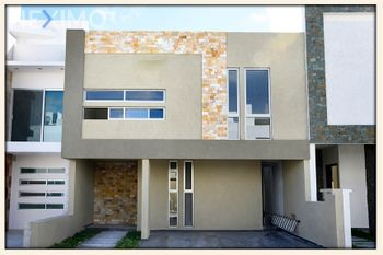 NEX-41766 - Casa en Venta, con 3 recamaras, con 2 baños, con 1 medio baño, con 217 m2 de construcción en Milenio 3a. Sección, CP 76060, Querétaro.