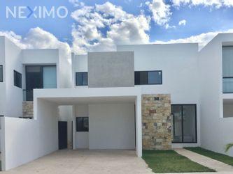 NEX-47425 - Casa en Venta, con 4 recamaras, con 4 baños, con 1 medio baño, con 257 m2 de construcción en Cholul, CP 97305, Yucatán.