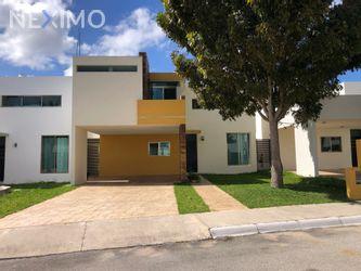 NEX-47958 - Casa en Venta, con 3 recamaras, con 3 baños, con 1 medio baño, con 212 m2 de construcción en Paseo del Ángel, CP 97345, Yucatán.