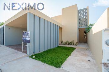 NEX-49246 - Casa en Venta, con 3 recamaras, con 2 baños, con 1 medio baño, con 235 m2 de construcción en Dzityá, CP 97302, Yucatán.