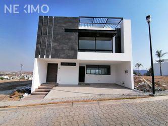 NEX-43154 - Casa en Venta, con 4 recamaras, con 4 baños, con 145 m2 de construcción en Lomas de Angelópolis, CP 72830, Puebla.