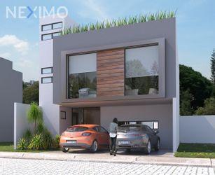 NEX-43156 - Casa en Venta, con 3 recamaras, con 5 baños, con 134 m2 de construcción en Lomas de Angelópolis, CP 72830, Puebla.