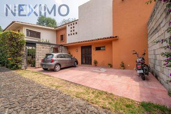 NEX-41751 - Casa en Venta, con 4 recamaras, con 5 baños, con 1 medio baño, con 417 m2 de construcción en Santa María Tepepan, CP 16020, Ciudad de México.