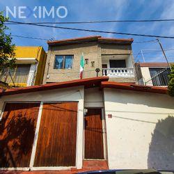 NEX-41205 - Casa en Venta, con 6 recamaras, con 2 baños, con 1 medio baño, con 127 m2 de construcción en Villa de Aragón, CP 07570, Ciudad de México.