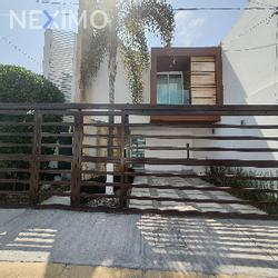 NEX-46563 - Casa en Renta, con 3 recamaras, con 2 baños, con 1 medio baño, con 120 m2 de construcción en Real del Valle, CP 42086, Hidalgo.