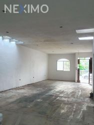 NEX-46216 - Casa en Venta, con 2 recamaras, con 1 baño, con 1 medio baño, con 90 m2 de construcción en Supermanzana 313, CP 77533, Quintana Roo.