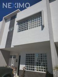 NEX-43707 - Casa en Renta, con 3 recamaras, con 2 baños, con 1 medio baño, con 106 m2 de construcción en Jardines del Sur, CP 77536, Quintana Roo.
