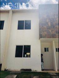 NEX-48498 - Casa en Renta, con 2 recamaras, con 3 baños, con 111 m2 de construcción en Jardines del Sur, CP 77536, Quintana Roo.
