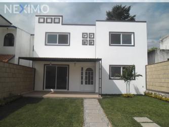 NEX-41918 - Casa en Venta en Insurgentes, CP 62200, Morelos, con 4 recamaras, con 3 baños, con 271 m2 de construcción.