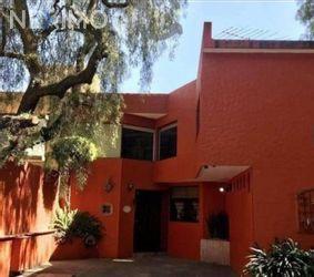 NEX-45449 - Casa en Venta, con 4 recamaras, con 3 baños, con 1 medio baño, con 180 m2 de construcción en Santa María Tepepan, CP 16020, Ciudad de México.