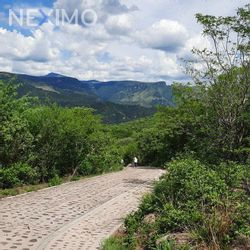 NEX-45846 - Terreno en Venta, con 400 m2 de construcción en Chulavista, CP 45653, Jalisco.