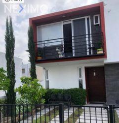 NEX-41443 - Casa en Venta, con 3 recamaras, con 2 baños, con 1 medio baño, con 148 m2 de construcción en Sonterra, CP 76235, Querétaro.