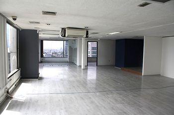NEX-41611 - Oficina en Renta en Cuauhtémoc, CP 06500, Ciudad de México, con 3 recamaras, con 1 baño, con 141 m2 de construcción.