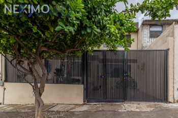NEX-45297 - Casa en Venta, con 3 recamaras, con 2 baños, con 146 m2 de construcción en Lázaro Cárdenas, CP 76087, Querétaro.