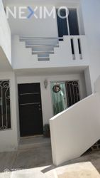 NEX-42933 - Casa en Venta, con 2 recamaras, con 1 baño, con 1 medio baño, con 205 m2 de construcción en Caucel, CP 97314, Yucatán.