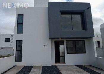 NEX-48147 - Casa en Venta, con 3 recamaras, con 2 baños, con 1 medio baño, con 155 m2 de construcción en San Isidro, CP 76226, Querétaro.
