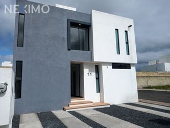 NEX-48157 - Casa en Venta, con 3 recamaras, con 2 baños, con 1 medio baño, con 175 m2 de construcción en San Isidro, CP 76226, Querétaro.