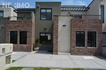 NEX-44656 - Casa en Venta, con 3 recamaras, con 2 baños, con 157 m2 de construcción en Zirándaro, CP 37749, Guanajuato.