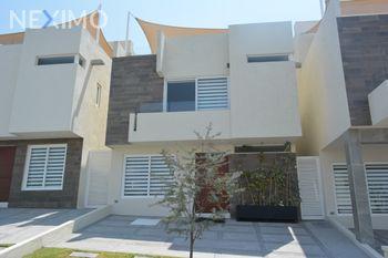 NEX-45688 - Casa en Venta, con 3 recamaras, con 3 baños, con 1 medio baño, con 218 m2 de construcción en Zibatá, CP 76269, Querétaro.