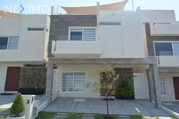 NEX-45692 - Casa en Venta, con 3 recamaras, con 4 baños, con 1 medio baño, con 277 m2 de construcción en Zibatá, CP 76269, Querétaro.