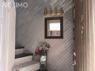 NEX-42549 - Casa en Venta, con 7 recamaras, con 4 baños, con 1 medio baño, con 180 m2 de construcción en Hipódromo, CP 06100, Ciudad de México.