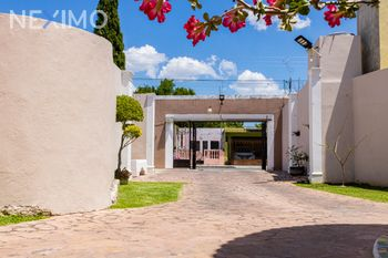 NEX-43735 - Casa en Venta, con 4 recamaras, con 4 baños, con 1 medio baño, con 400 m2 de construcción en Industrial, CP 97150, Yucatán.