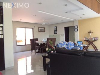 NEX-47390 - Casa en Venta, con 6 recamaras, con 4 baños, con 1 medio baño, con 400 m2 de construcción en Álamos I, CP 77533, Quintana Roo.