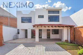 NEX-50850 - Casa en Venta, con 2 recamaras, con 3 baños, con 188 m2 de construcción en Santiago Momoxpan, CP 72775, Puebla.