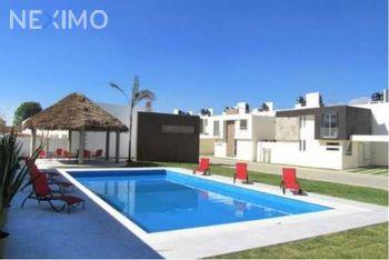NEX-53442 - Casa en Renta, con 3 recamaras, con 3 baños, con 86 m2 de construcción en San Juan Cuautlancingo, CP 72700, Puebla.